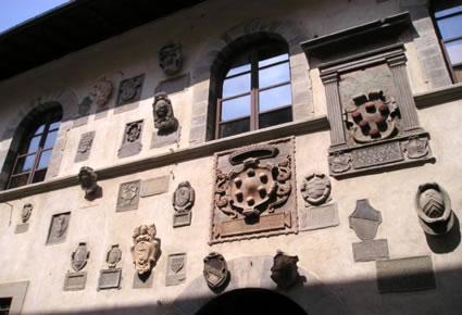 Foto facciata palazzo del capitano a bagno di romagna - Meteo it bagno di romagna ...