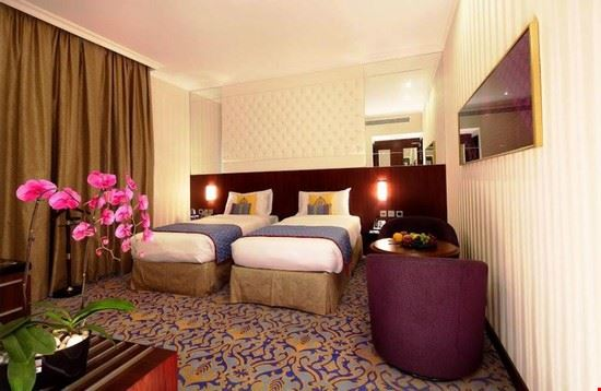 Raviz Center Point Hotel Dubai