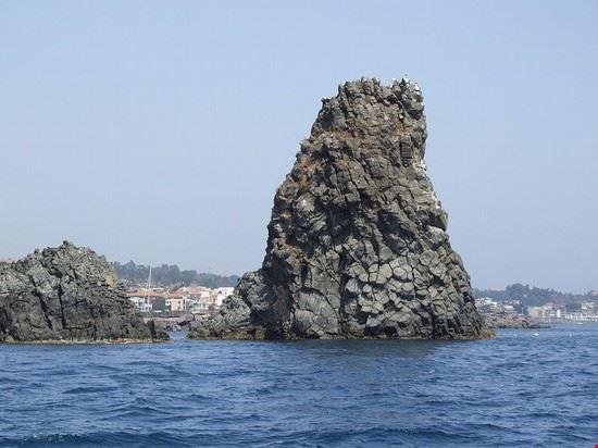 98588 aci castello area marina protetta isole dei ciclopi