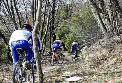 Foto attivita 39 sportiva in mountain bike a bagno di romagna 425x290 autore redazione - Mtb bagno di romagna ...