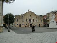 portogruaro piazza municipio