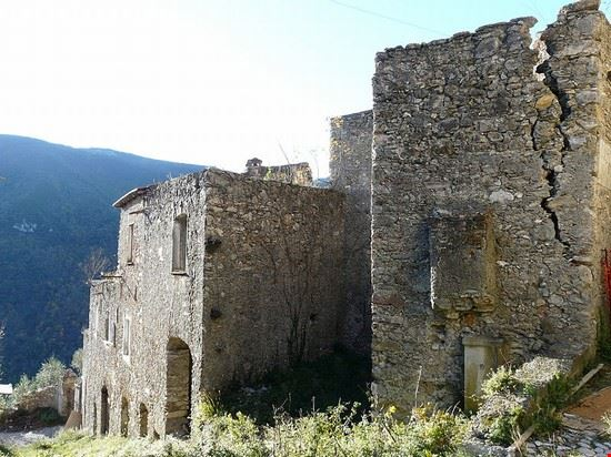 Castello e borgo vecchio
