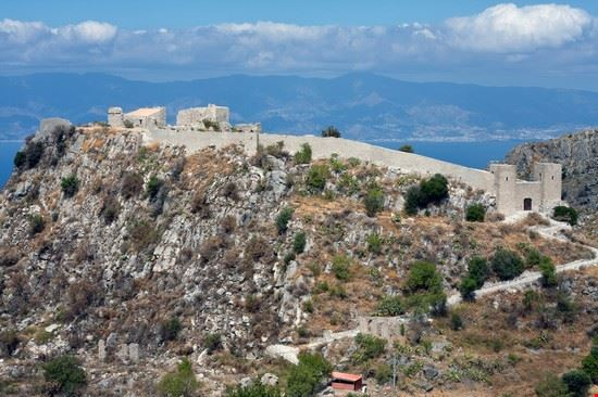 Castello di Sant'Aniceto