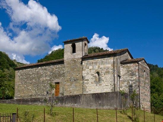 chiesa santa maria - gallicano