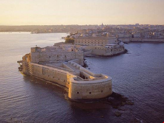castello maniace siracusa