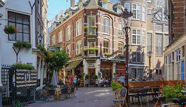 Amsterdam_377946175