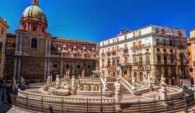Palermo Piazza Pretoria_580789354