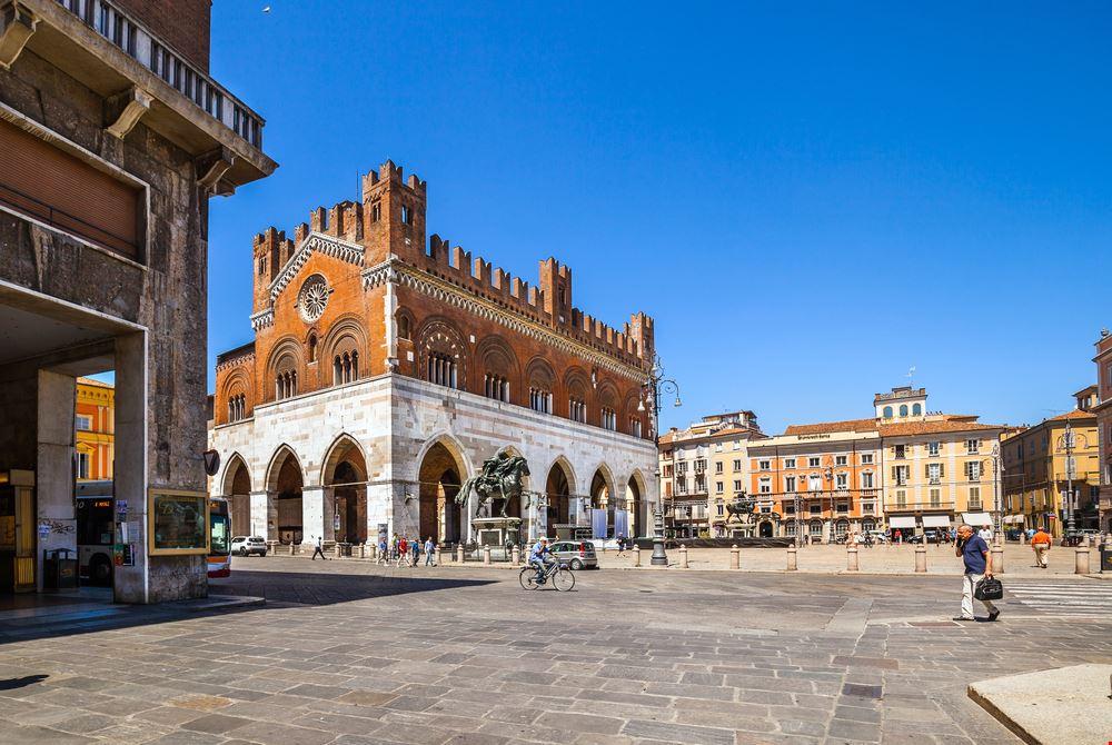 Piacenza_546202558