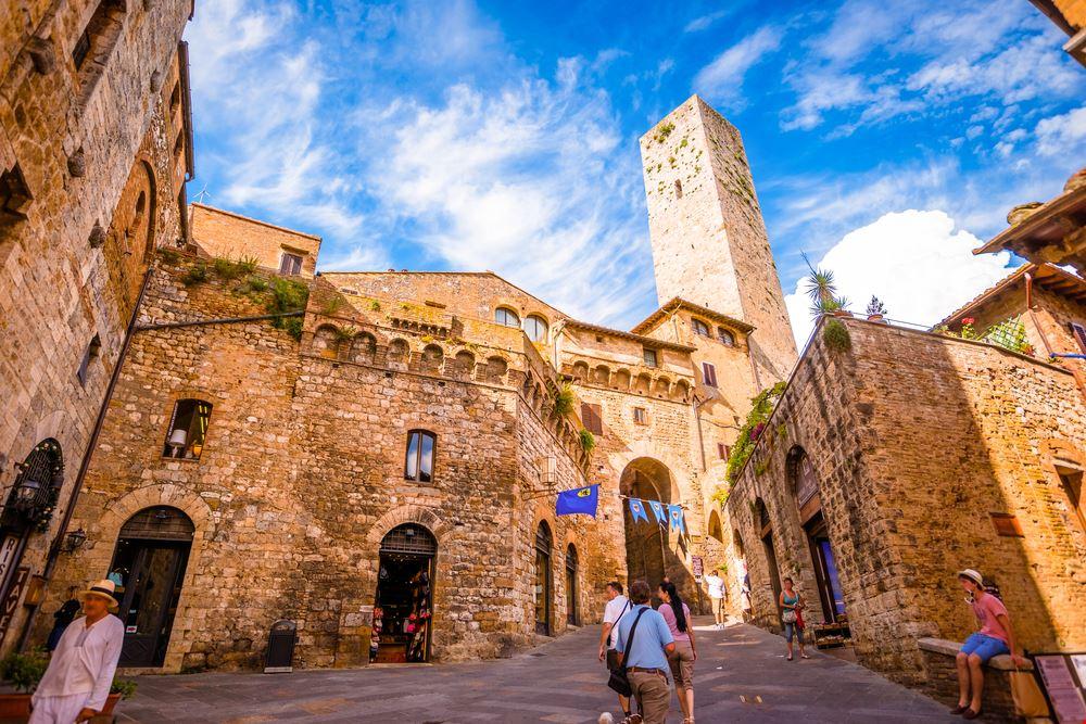 San Gimignano Mura_383020702