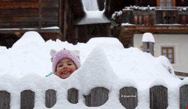 Spielplatz Schnee7(c)BergimBild-min