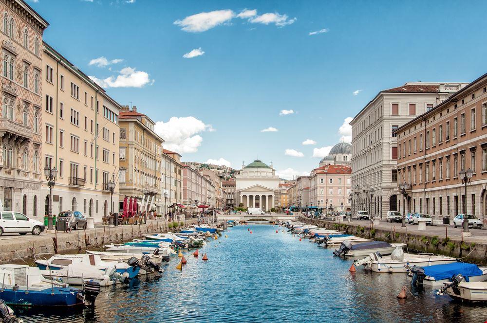 Trieste_126696302