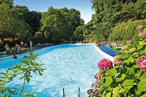 La piscina del Seven Hills Village, Lazio
