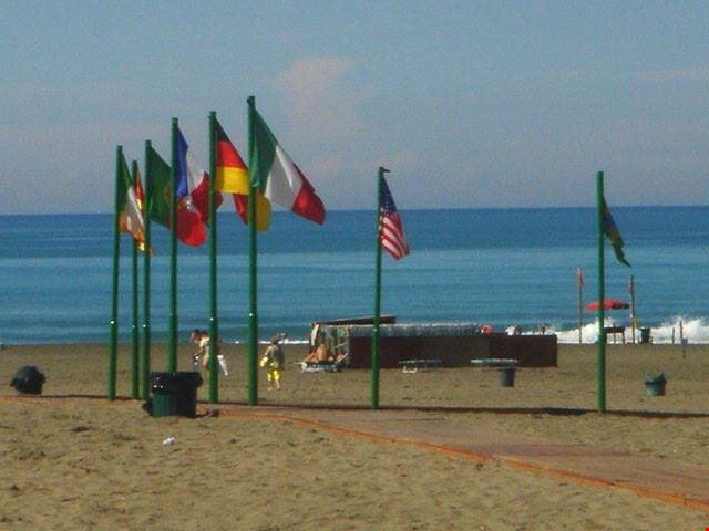La spiaggia del Camping Internazionale Castelfusano