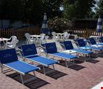 Solarium a bordo piscina
