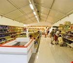 Ampio Supermarket nel camping village