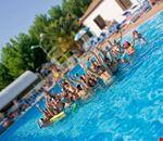 Campeggio con piscina nelle Marche