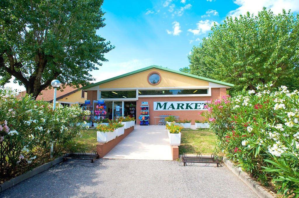 Supermarket nel campeggio