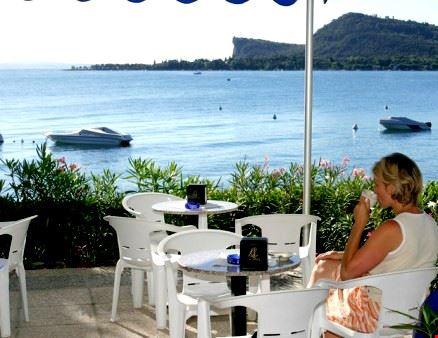 Campeggio con bar sul Lago di Garda