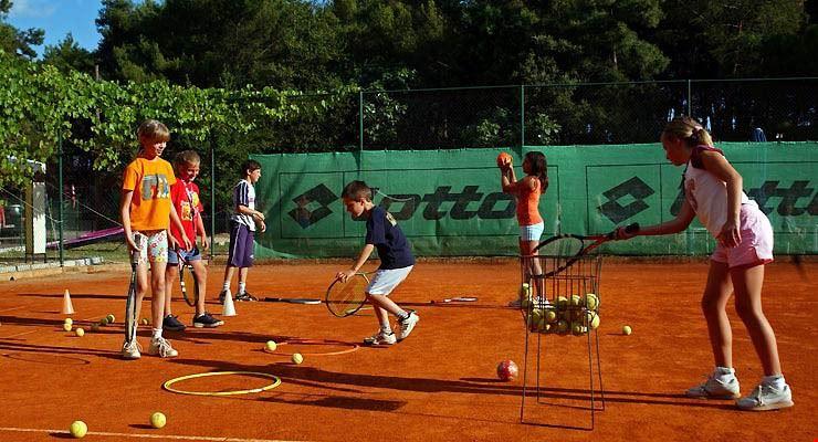 Campeggio con campi da Tennis
