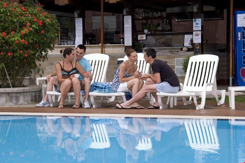 Camping village con piscina, Roma