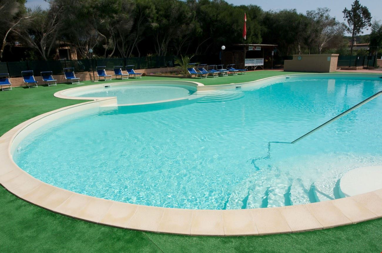 Calacavallo Campeggio con piscina