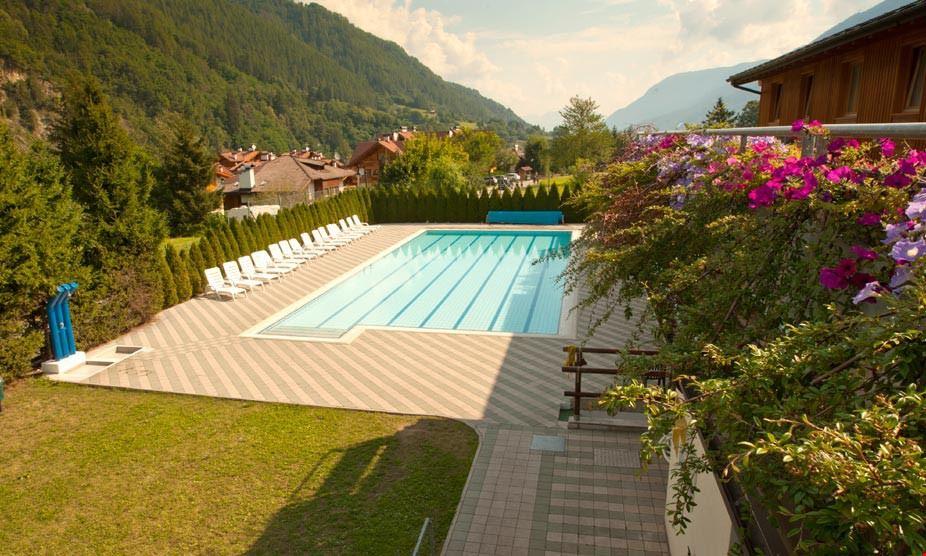 Campeggio con piscina, Trentino