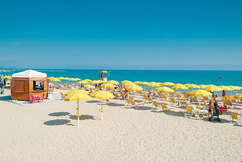 La spiaggia del Camping Santo Stefano