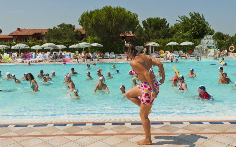 La piscina al The Garda Village