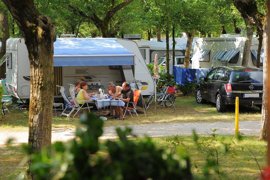 Camping Village con piazzole per caravan