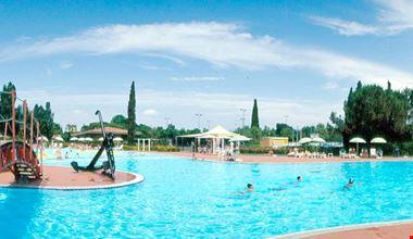 Camping Village con piscina per bambini, Lago di Garda