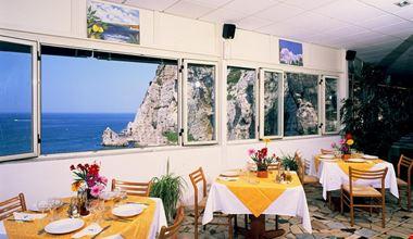 Villaggio Turistico con Ristorante vicino a Sorrento