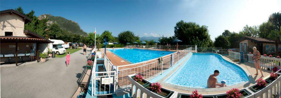 Camping Village con Piscina sul Lago Maggiore