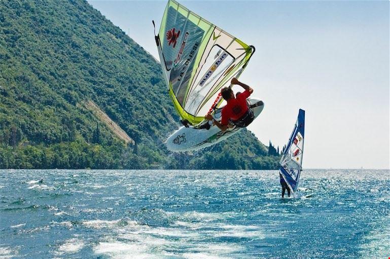 Camping con Scuola Windsurf sul Lago di Garda