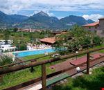 Camping con Piscina a Riva del Garda