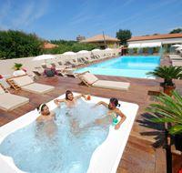 Camping Village con Piscina sul mare Adriatico