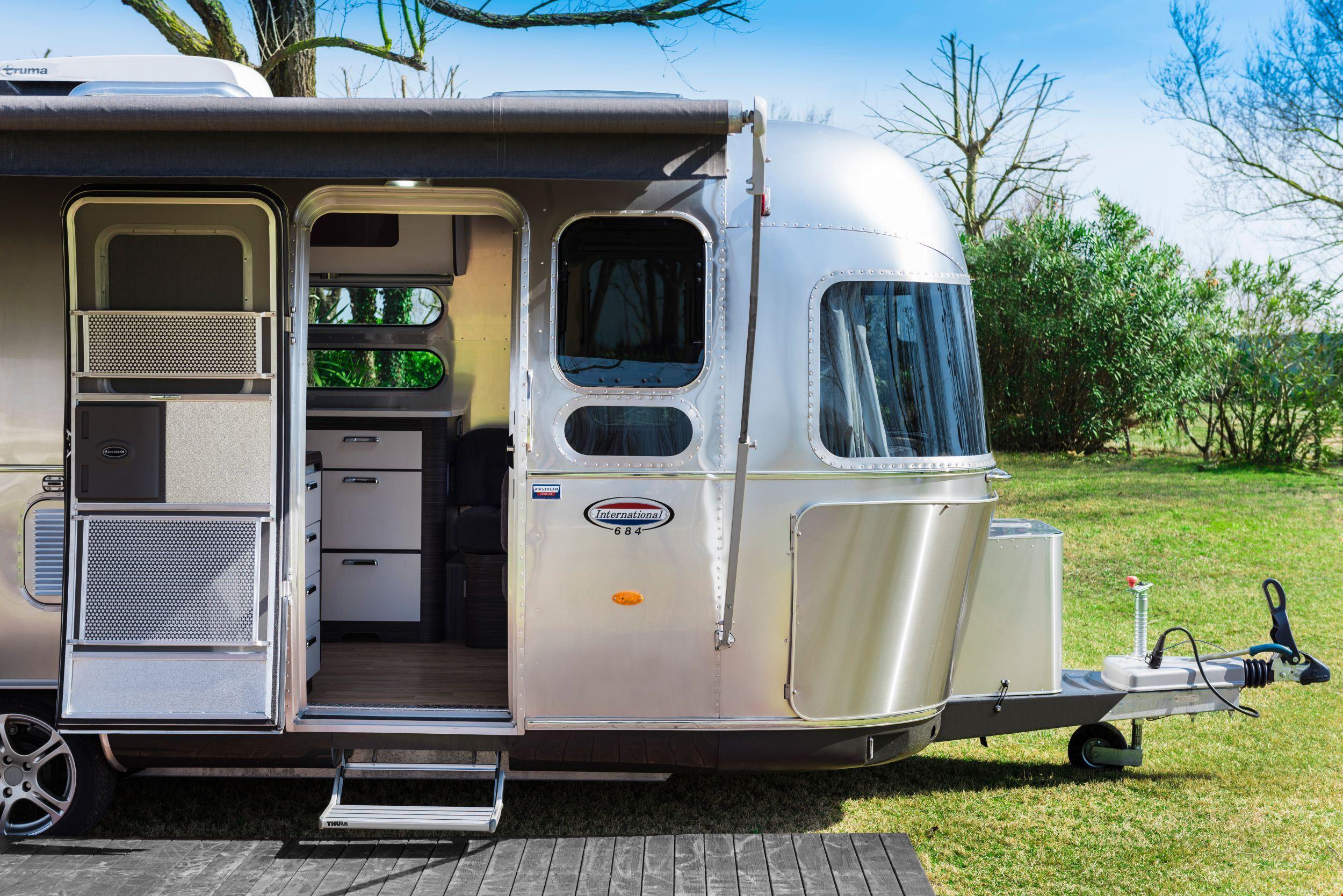 Caravan Airstream
