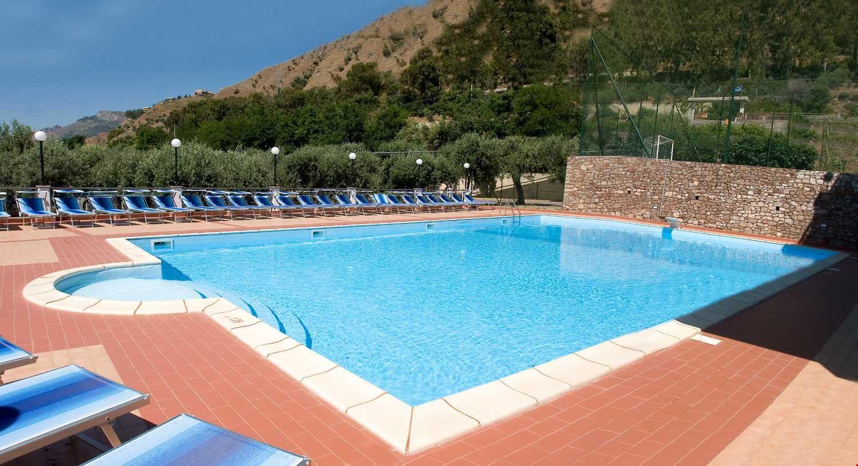 Camping Village con Piscina in Sicilia