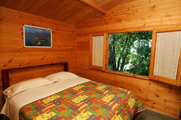 Camera casetta in legno