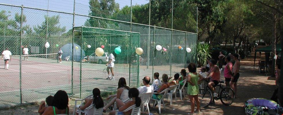 Tornei di tennis al Camping Sole e Mare