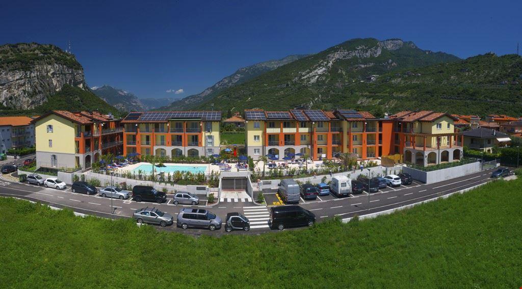 Residence con Piscina a Torbole, Lago di Garda
