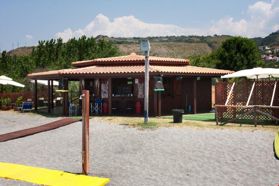 Bar in spiaggia a Cirella Di Diamante (CS)