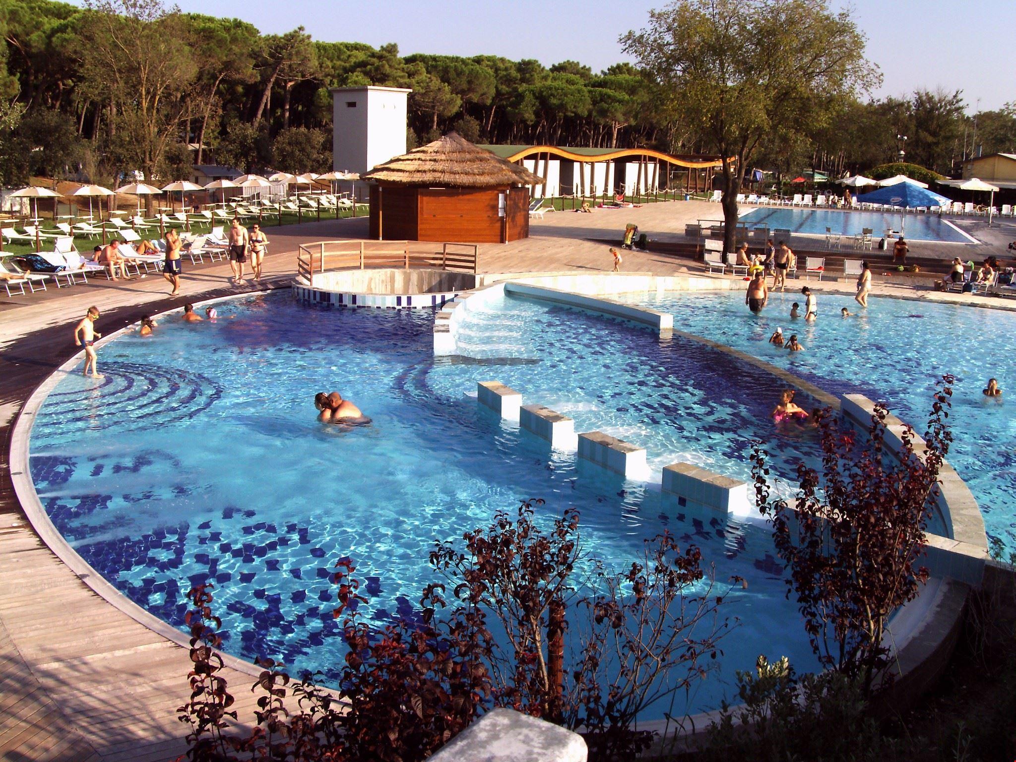 Tramonto in piscina