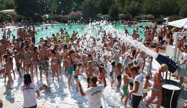 Schiuma Party al Vigna sul Mar Camping Village