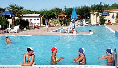 Camping con Piscina ad Altidona, Marche