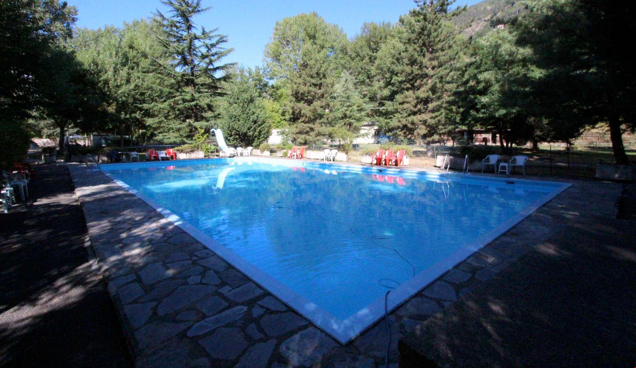 Camping International Touring con Piscina, in Valle d'Aosta
